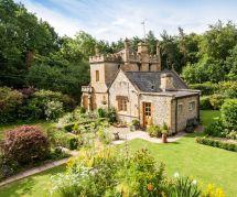 Le plus petit (et le plus mignon) des châteaux anglais est à vendre