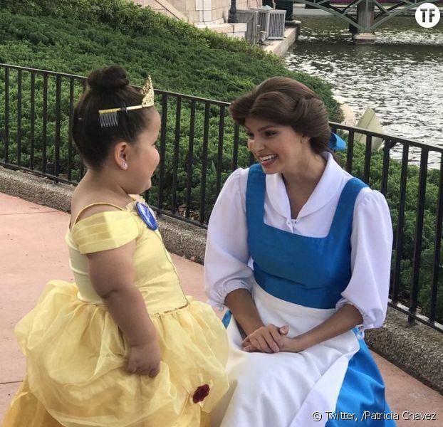 Cette petite fille de 7 ans rencontre son idole à Disneyland et fait fondre le web