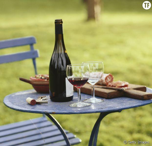 Le vin rouge nouveau vin de l'été