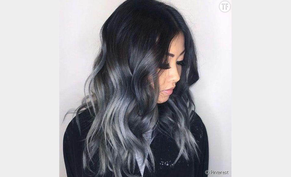 Charcoal hair : les cheveux charbon, la coloration tendance de ce printemps