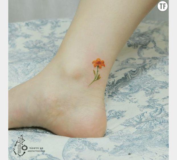 Petit tatouage fleur