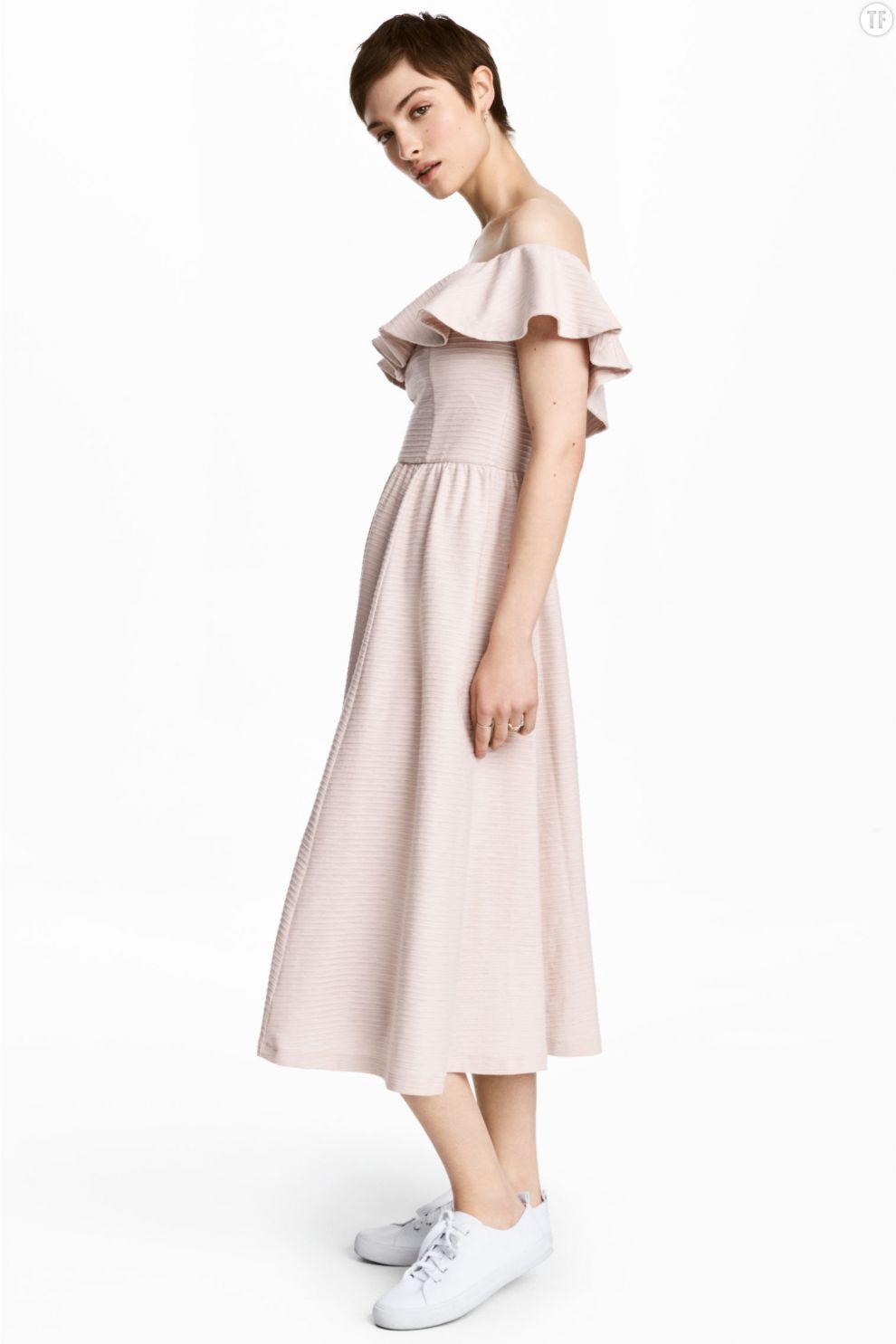 Robe épaules dénudées H&M, 39,99€