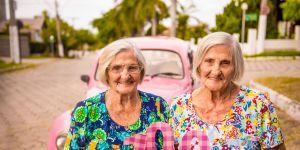 Ces mamies jumelles ont fêté leur 100e anniversaire avec un photoshoot féérique