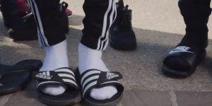 Claquettes-chaussettes : c'est quoi cette drôle de mode chez les jeunes ?
