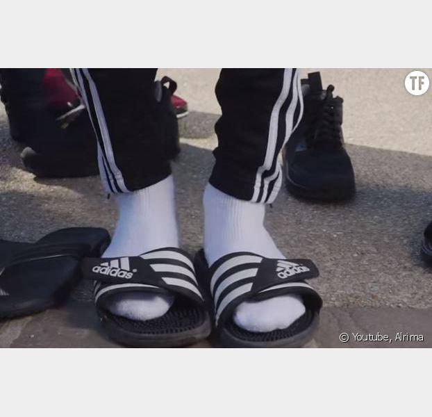 """Clip de Alrima """"Claquettes chaussettes"""""""