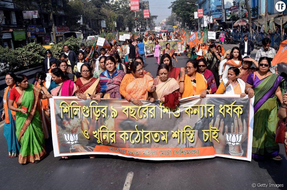 Manifestations à Calcutta (Inde) de femmes après le viol présumé et le meurtre d'une fille de 9 ans à Siliguri.