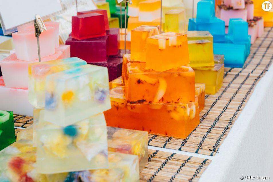 Couper du savon, l'intrigante tendance bien-être qui buzze