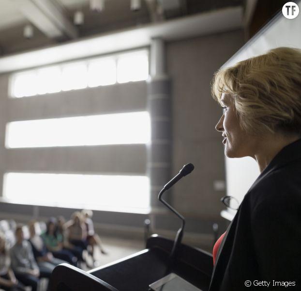 """La """"règle des 3"""" pour réussir son speech en public (même quand on a peur)"""
