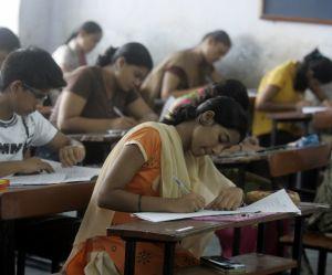 En Inde, 12 lycéennes soupçonnées d'homosexualité punies par leur école