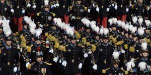 Sexisme au lycée Saint-Cyr : les témoignages glaçants des étudiantes militaires