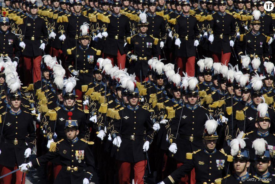 Des cadets de Saint Cyr au défilé du 14 juillet