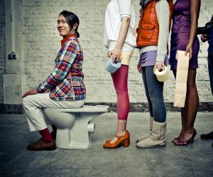 Pourquoi la queue aux toilettes pour femmes ne devrait plus exister