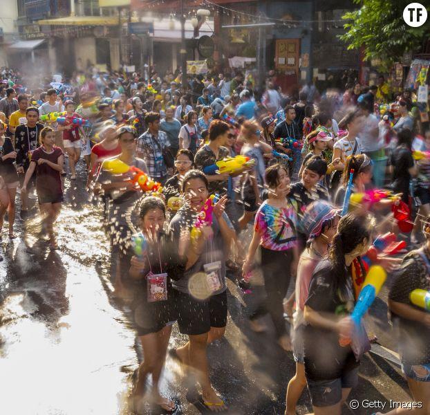 Songkran, le festival du Nouvel An thaïlandais. Silom, Bangkok, Thaïlande