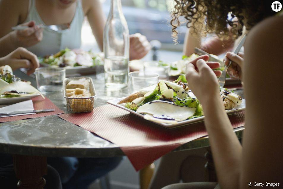 Manger au restaurant serait dangereux pour la santé !