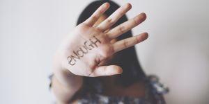 Violences conjugales : au Canada, un service gratuit aide les victimes à déménager