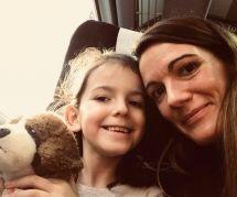 Pourquoi cette maman a décidé de ne jamais dire à sa fille qu'elle est belle