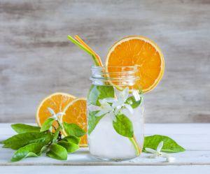 La recette de l'eau detox infusée aux agrumes
