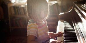Votre enfant veut zapper son cours de piano ? Pas la peine d'en faire un drame