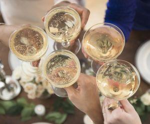 Et si on se lavait les cheveux avec du champagne ?