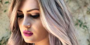 Mauve Champagne : la nouvelle coloration qui cartonne pour les blondes
