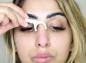 Du fil dentaire : l'étonnante astuce anti-points noirs d'une bloggueuse