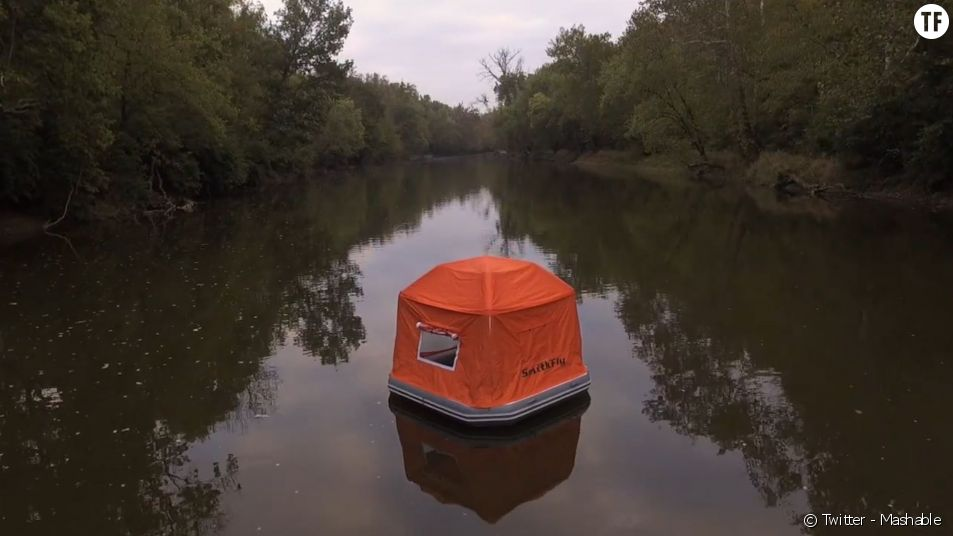 "La fameuse ""Floating Tent"" de Mashable.com."