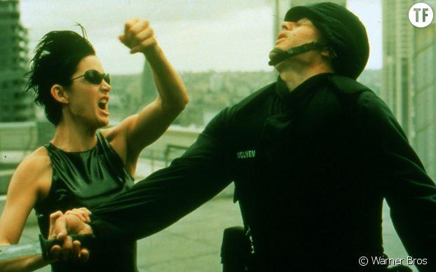 """Trinity, icône badass de la trilogie """"Matrix""""."""