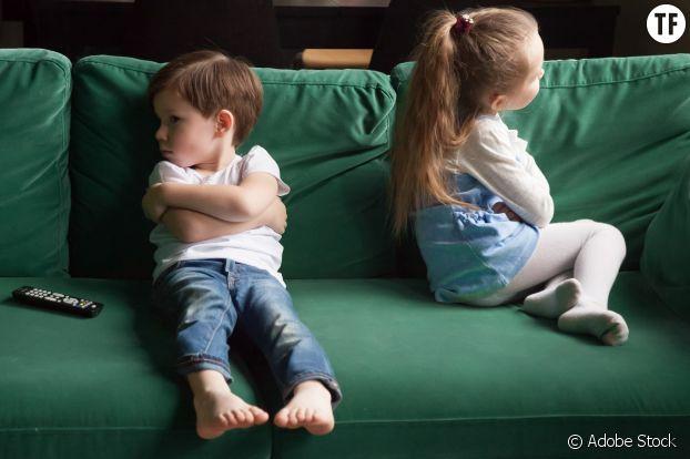 """Non non, un garçon ne fait pas du mal """"parce qu'il t'aime""""."""