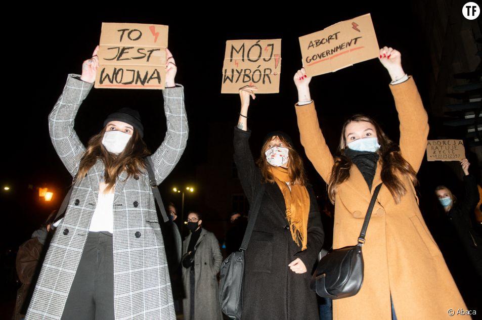 Les Polonaises manifestent pour le droit à l'avortement le 24 octobre 2020