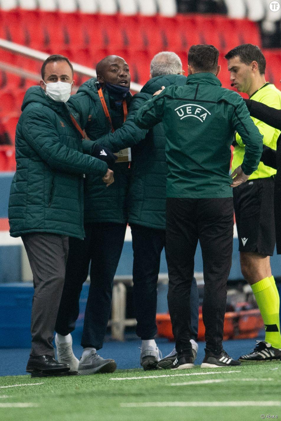 L'adjoint Pierre Webo s'indigne contre les propos racistes du quatrième arbitre lors de la rencontre PSG-Istanbul Başakşehir du 8 décembre 2020.