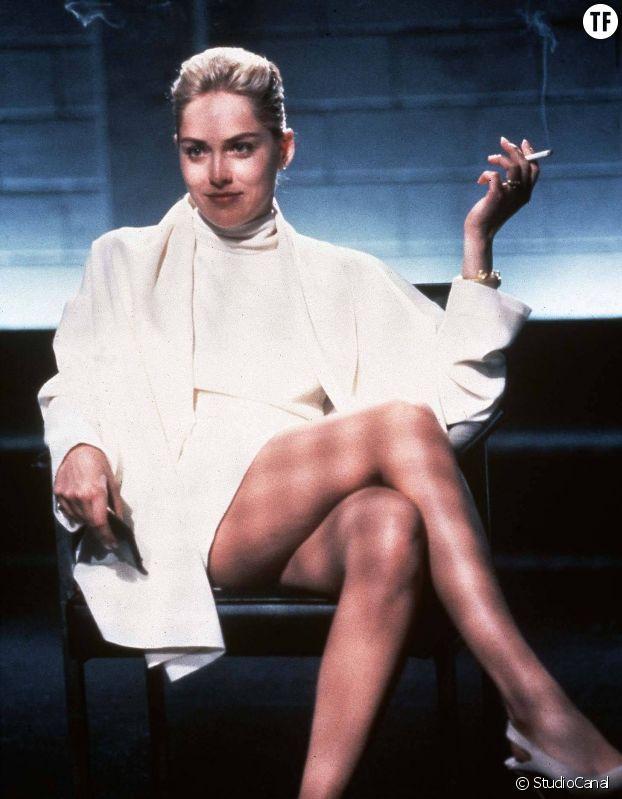 """La fameuse scène de l'interrogatoire dans """"Basic Instinct"""" : Sharon Stone témoigne."""