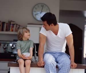 8 avantages à sortir avec un père célibataire