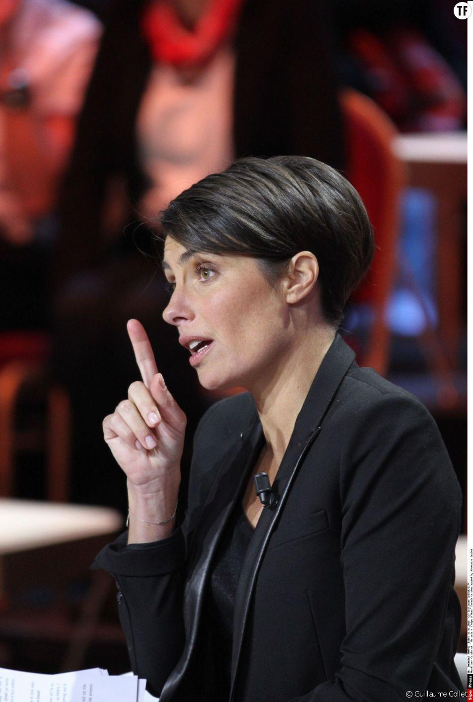 """Chaque mercredi soir, Alessandra Sublet présente """"Un soir à la Tour Eiffel"""" sur France 2"""