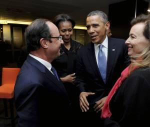 Valérie Trierweiler et François Hollande avec le couple Obama.