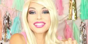 Grâce au maquillage, elle se transforme en Barbie en 2 minutes chrono