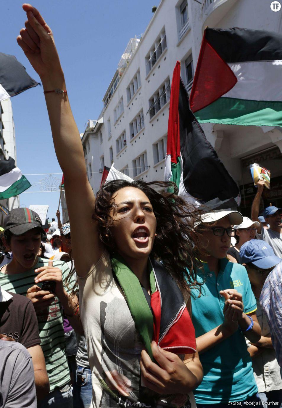 Une jeune femme marocaine à Rabat le 20 juillet 2014.