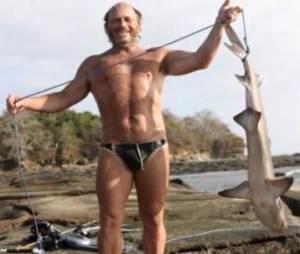 Raphaël pêche un requin dans Koh-Lanta 4