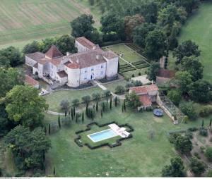 Le château de la famille de Julie Gayet dans le petit village de Berrac en France.