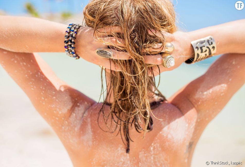 """Pour un effet """"retour de vacances"""", le meilleur moyen est la coloration effet soleil."""