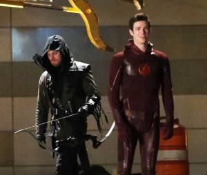 """Exclusif - Grant Gustin (""""The Flash""""), Stephen Amell (""""Arrow""""), Robbie Amell (""""Firestorm"""") et Tom Cavanagh (""""Reverse Flash"""") se retrouvent sur le tournage de """"The Flash"""" à Vancouver, le 26 mars 2015"""