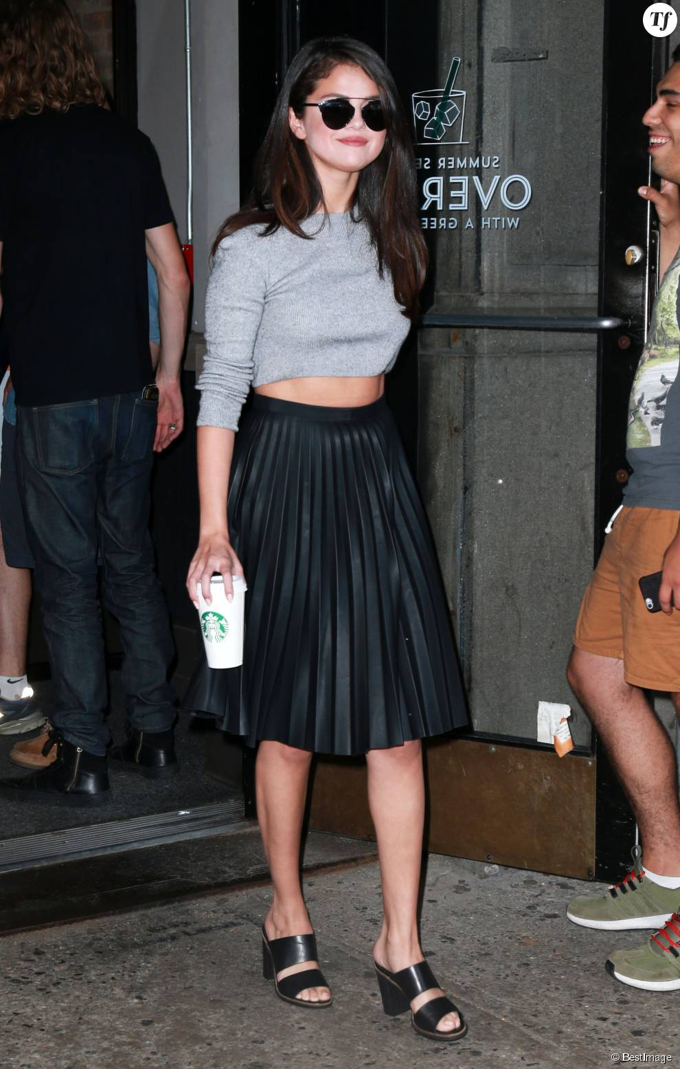 Selena Gomez se rend au Starbucks à New York, le 19 août 2015.