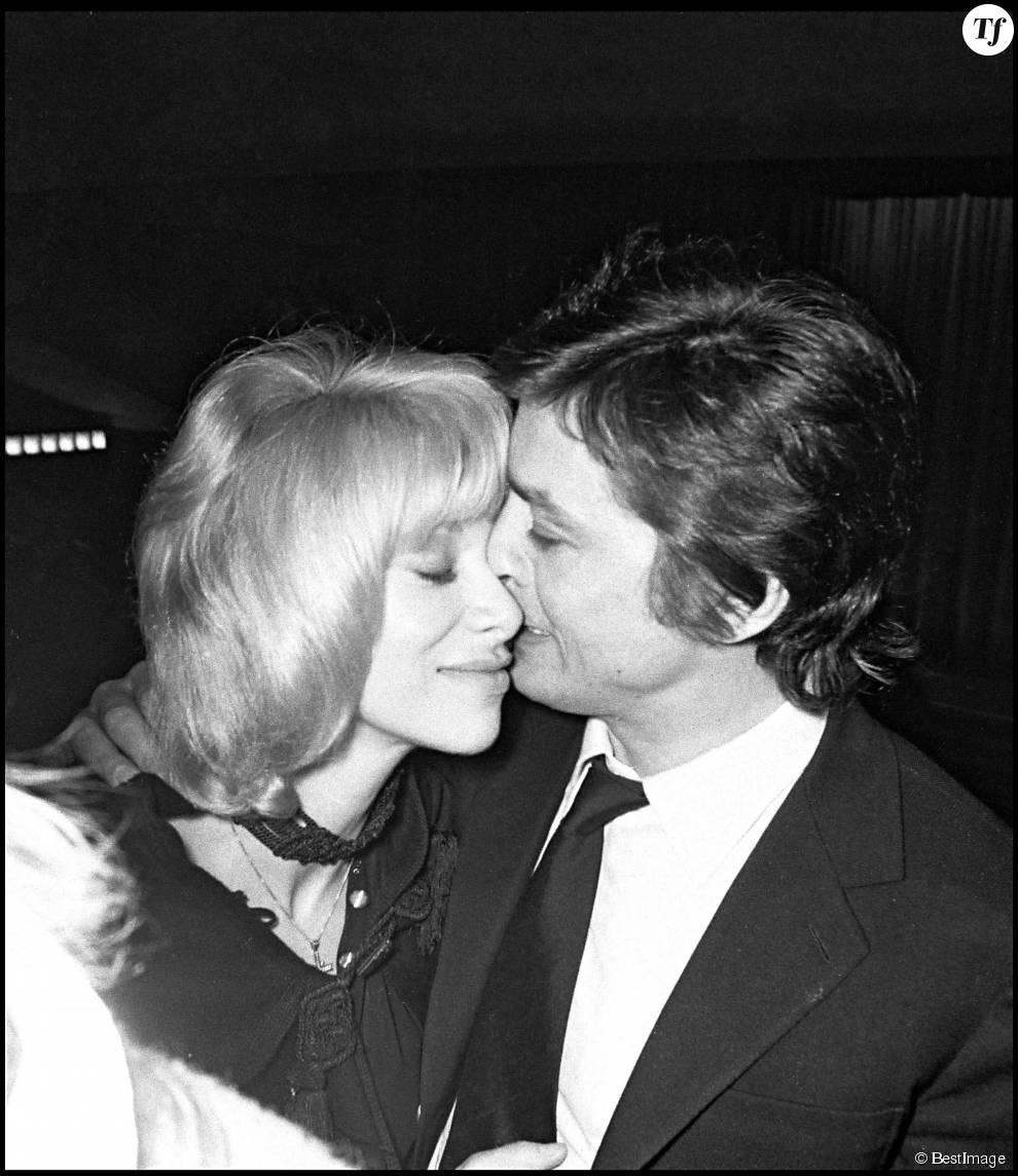 Alain Delon et son ex-compagne Mireille Darc en 1971