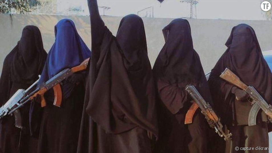 Femmes membres de la brigade Al Khansa