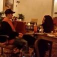 Justin Bieber et Selena Gomez prennent un verre dans hôtel de Beverly Hills