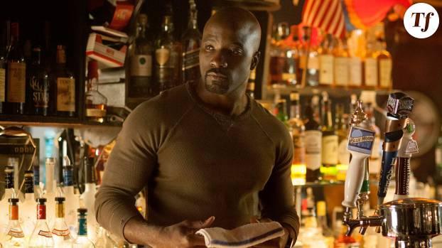 Mike Colter interprète Luke Cage, super-héros aussi connu sous le nom de Power Man