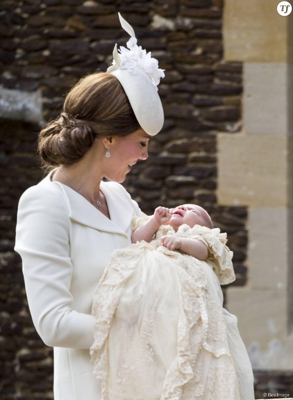 Kate Middleton et sa fille la princesse Charlotte le jour de son baptême en juillet dernier
