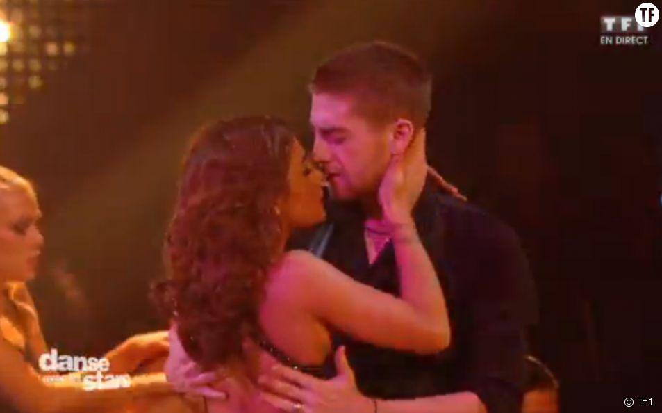 Priscilla enflamme la piste de danse avec Yann-Alrick sur un tango