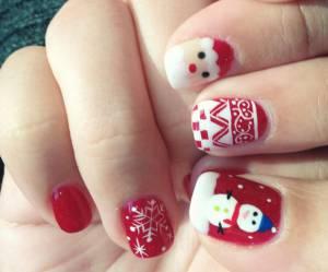 Nail art de Noël : le tuto vidéo pour se faire des ongles de fête