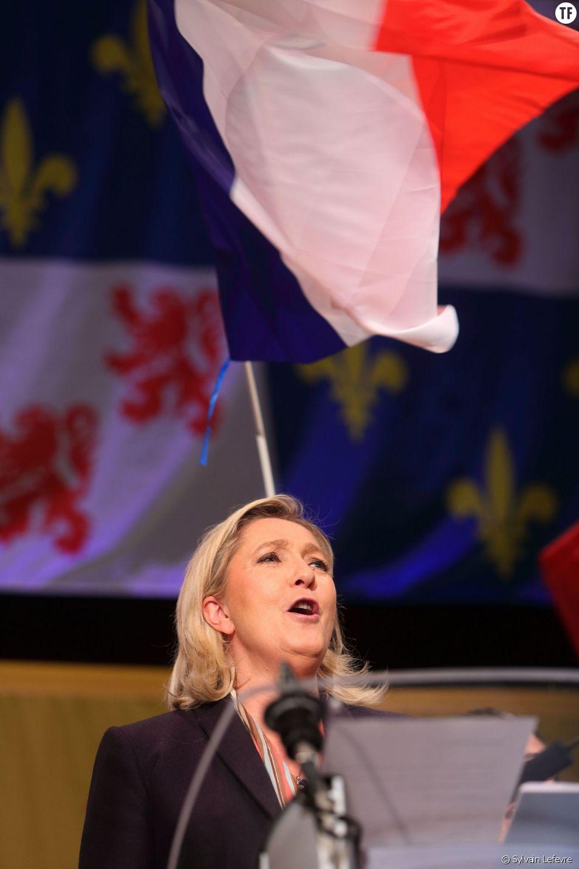 Marine Le Pen lors d'un meeting de campagne