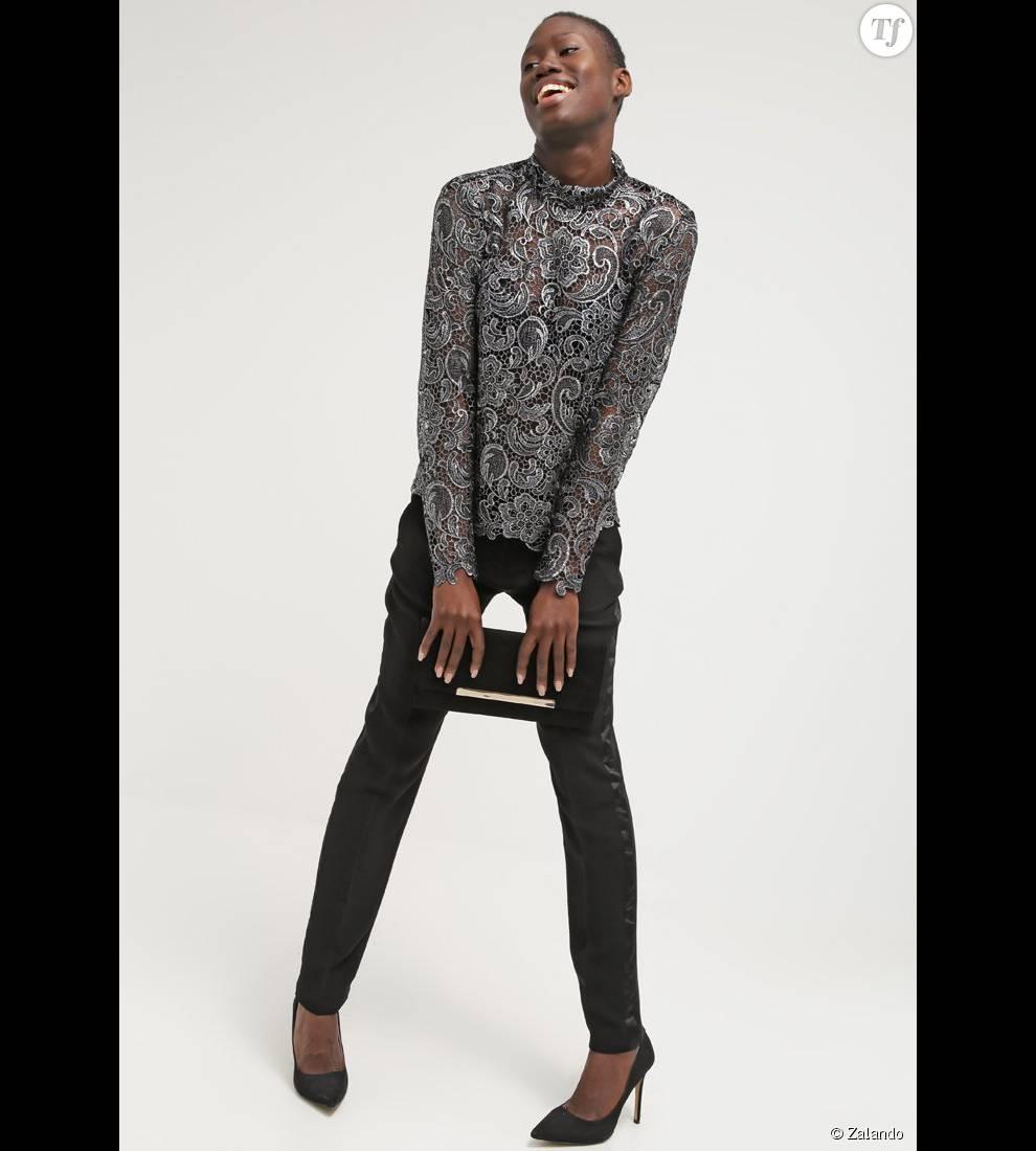 Pantalon classique noir  , 60 €